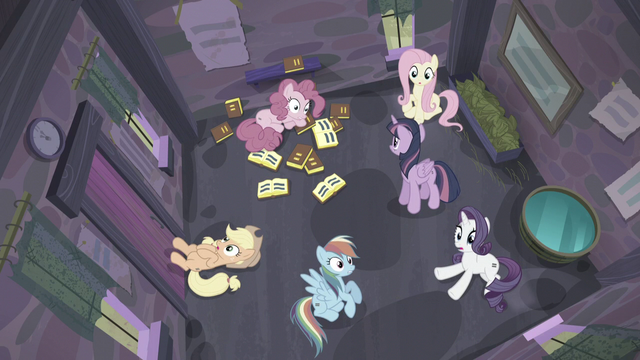 File:Twilight's friends wake up S5E02.png