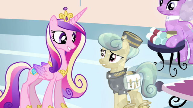File:Princess Cadance and Crystal Pony messenger S03E12.png