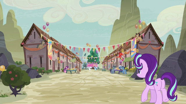 File:Starlight Glimmer approaching Our Town S6E25.png