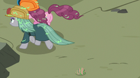 Pinkie and Maud run away from quarray eel S7E4