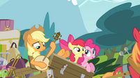 Apple Bloom singing while Applejack plays the banjo S4E09