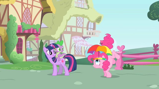 File:Pinkie Pie's tail starts twitching S1E15.png