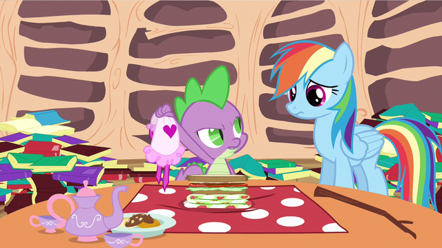 File:Spike wear aprons S2E21.png