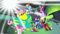 Power Ponies heroic pose S4E06