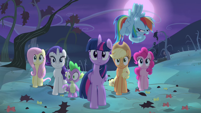 File:Rainbow Dash making spooky voice S4E07.png
