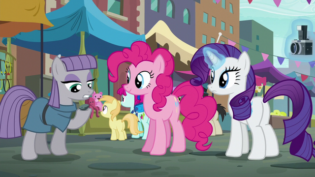 """File:Maud Pie """"the camera loves Boulder"""" S6E3.png"""
