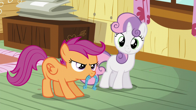 File:Sweetie and Scootaloo playing horseshoes S5E4.png