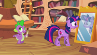 Twilight looking at mirror S2E20