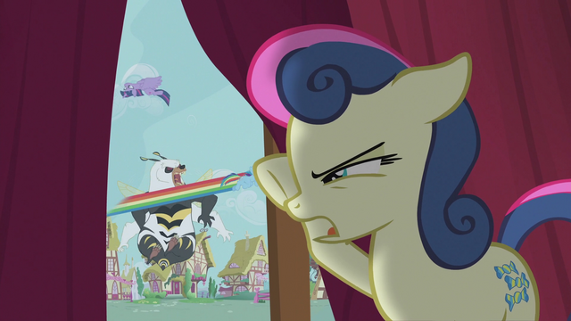 File:Sweetie Drops spying on the battle outside S5E9.png
