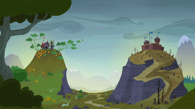 File:Twilight giving a valley-wide announcement S5E23.png