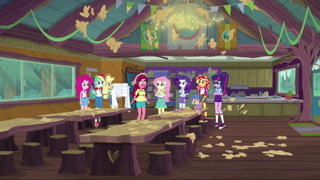 File:Gloriosa Daisy in the messy camp cafeteria EG4.png