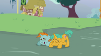 Snips and Snails bowing down to Trixie S3E05