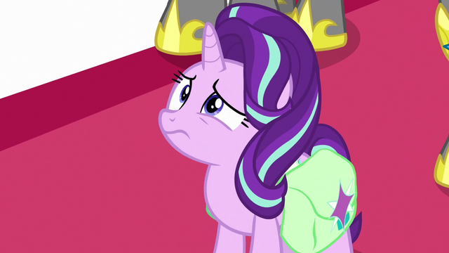 File:Starlight confused by the princesses' behavior S7E10.png