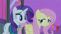 Fluttershy nodding head S4E14