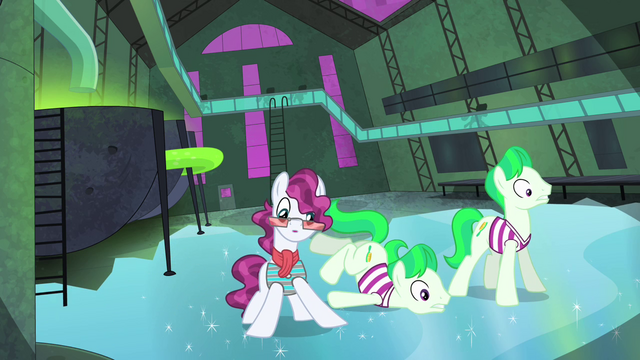 File:Henchponies slipping on icy floor S4E06.png