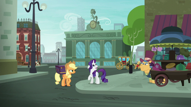 File:Rarity scoffing again S5E16.png