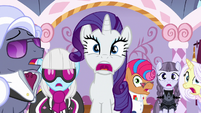 Rarity, contest ponies, and judges in extreme shock S7E9