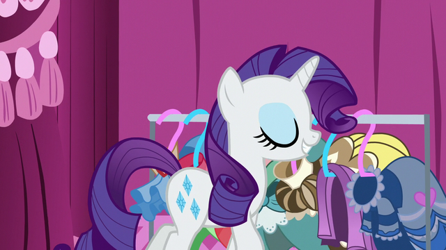 File:Rarity with renewed confidence S7E9.png