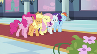 Twilight's friends walking on red carpet S2E25