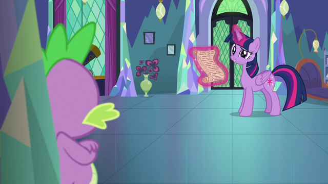 "File:Twilight amused by Spike calling her ""Sparkle"" S7E1.png"