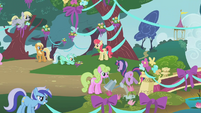 Twilight watching Lyra Heartstrings S1E10