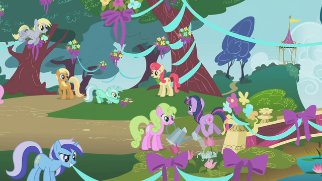 File:Twilight watching Lyra Heartstrings S1E10.png