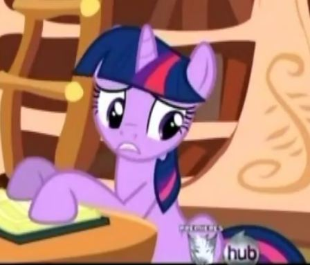 File:Twilight with a red streak in her bangs S02E18.jpg