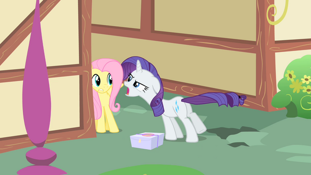 File:Rarity leaves the scene S1E25.png