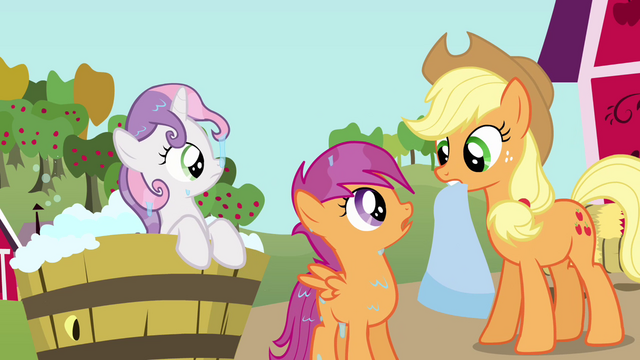 File:Sweetie Belle and Scootaloo sees Applejack S3E04.png