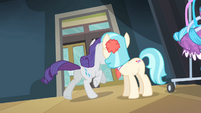Coco sees Rarity running away in tears S4E08