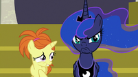 Princess Luna suddenly scowling next to filly S7E10