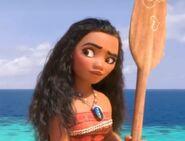 Moana holding oar