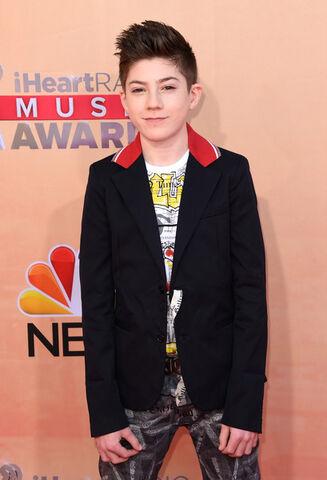 File:Mason Cook - 2015 iHeartRadio Music Awards 1.jpg