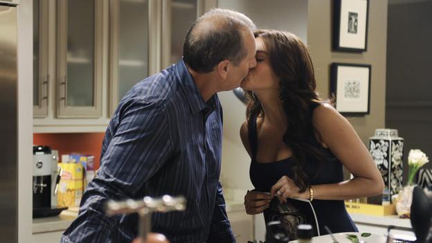 File:2x02-The-Kiss.jpg