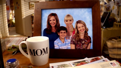 File:Mom-cbs.png