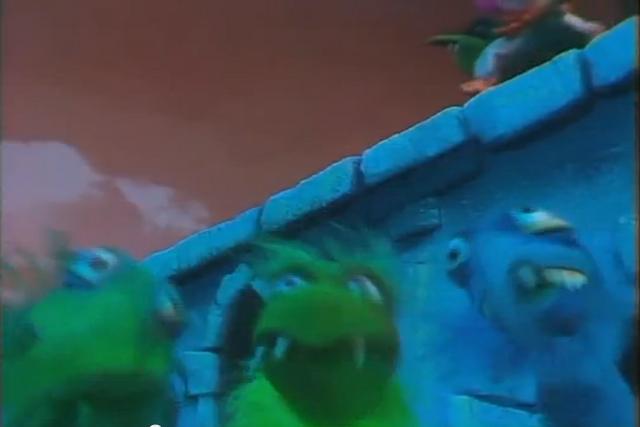 File:Muppet Show CM Frackles.png