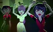 Fright On! - party three girls dance