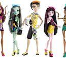 Gloom Beach (doll assortment)