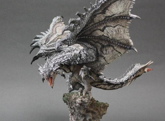 File:Capcom Figure Builder Creator's Model Silver Rathalos 002.jpg