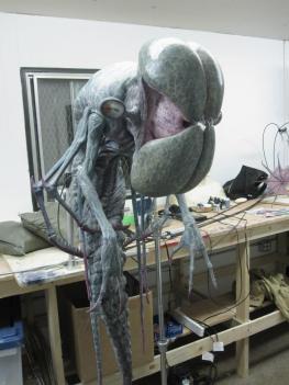 Alienclose