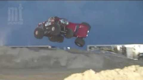 TMB TV- Monster Trucks Unlimited Moment - INSANE CRASH! Snake Bite & Red Solo Truck Race