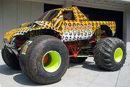 Pouncer plain tires