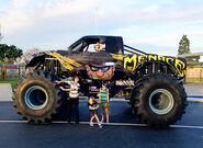 Monster-jam-2015-angels-stadium