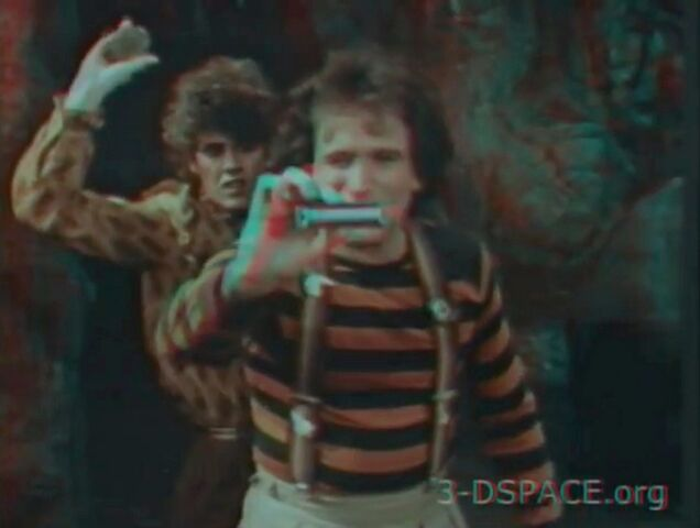 File:Mork and Mindy Gotta Run 3-D.jpg