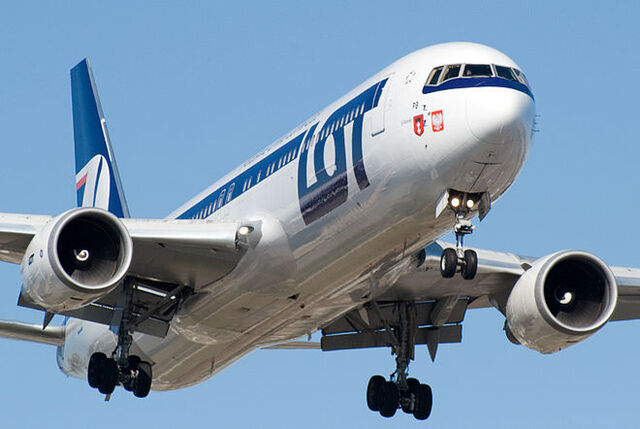 File:660px-LOT Polish Airlines Boeing 767.jpg