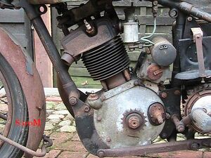 Sarolea 31R 1931 500cc Motor links.jpg