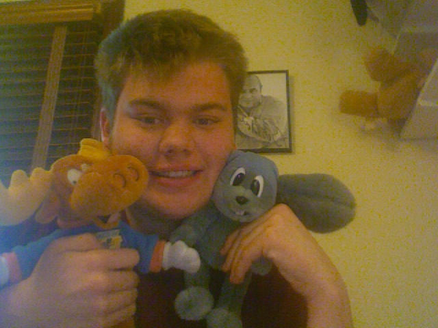 File:Jon Meyer and his Rocky and Bullwinkle plush toys.jpg