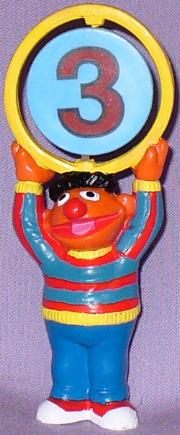 File:ApplauseErnie3Ring.jpg