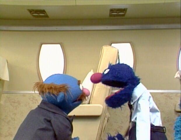 File:Grover.flightattendant.jpg