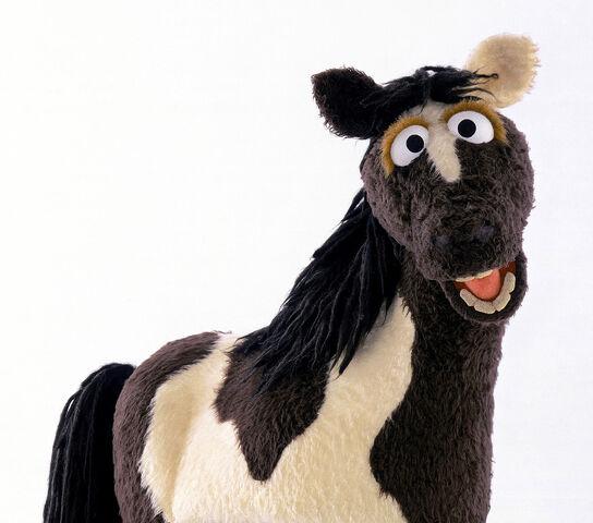 File:1 Sesamstrasse Pferd 2002.jpg